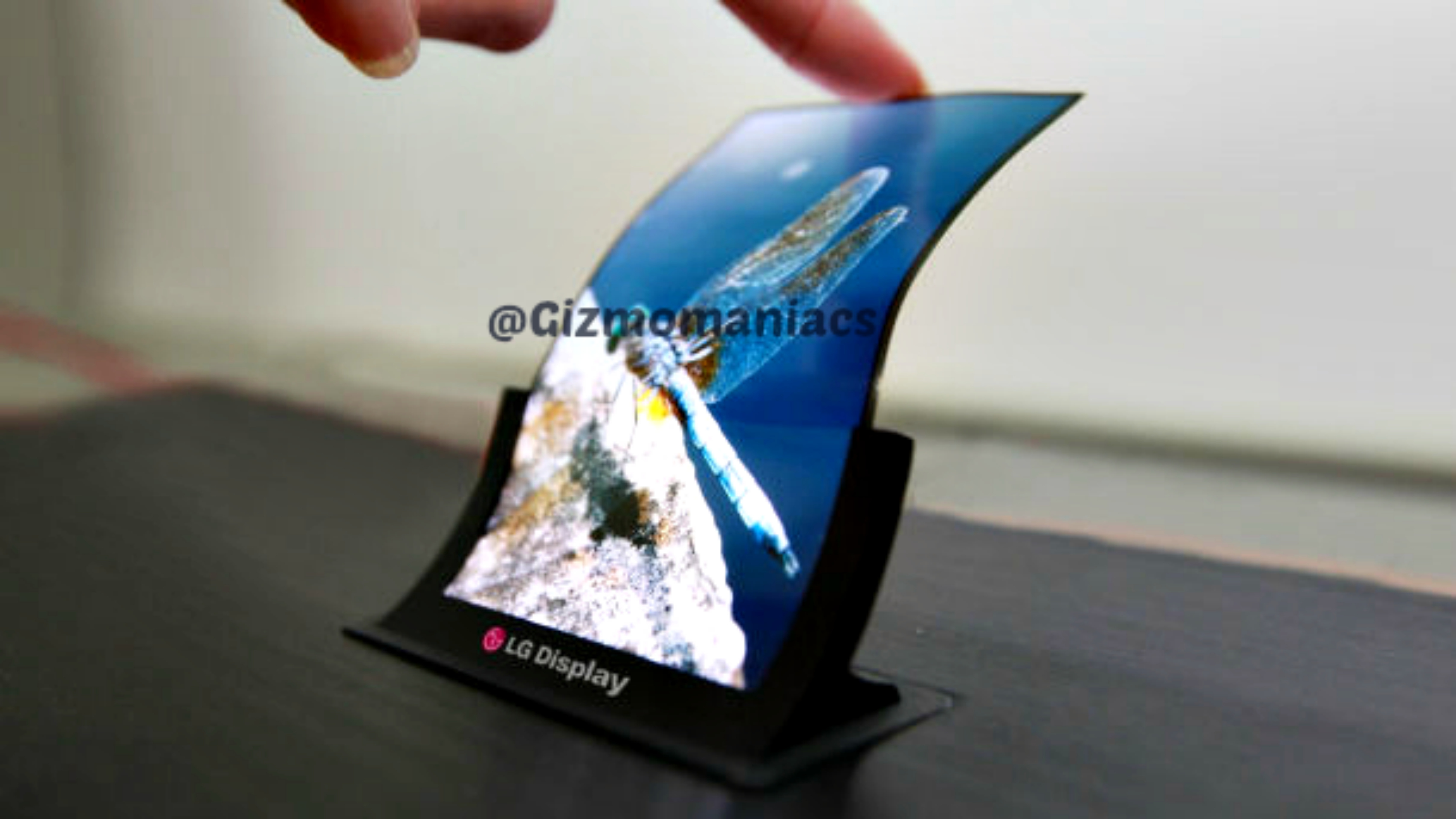 LG curved display smartphone_1