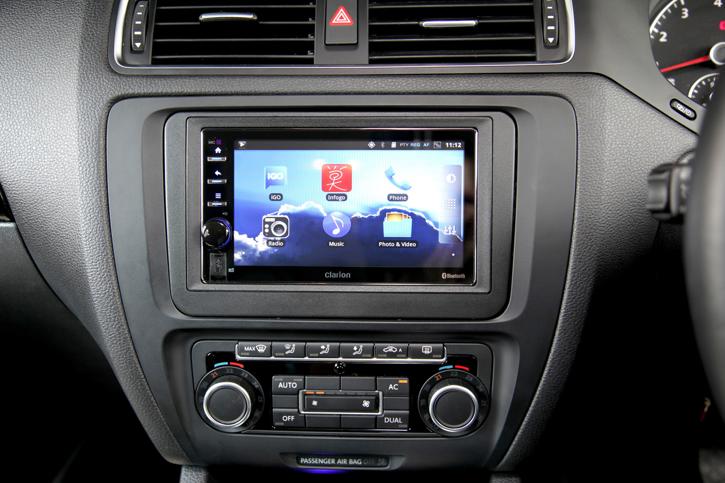 android based connected car stereo now on sale from clarion. Black Bedroom Furniture Sets. Home Design Ideas