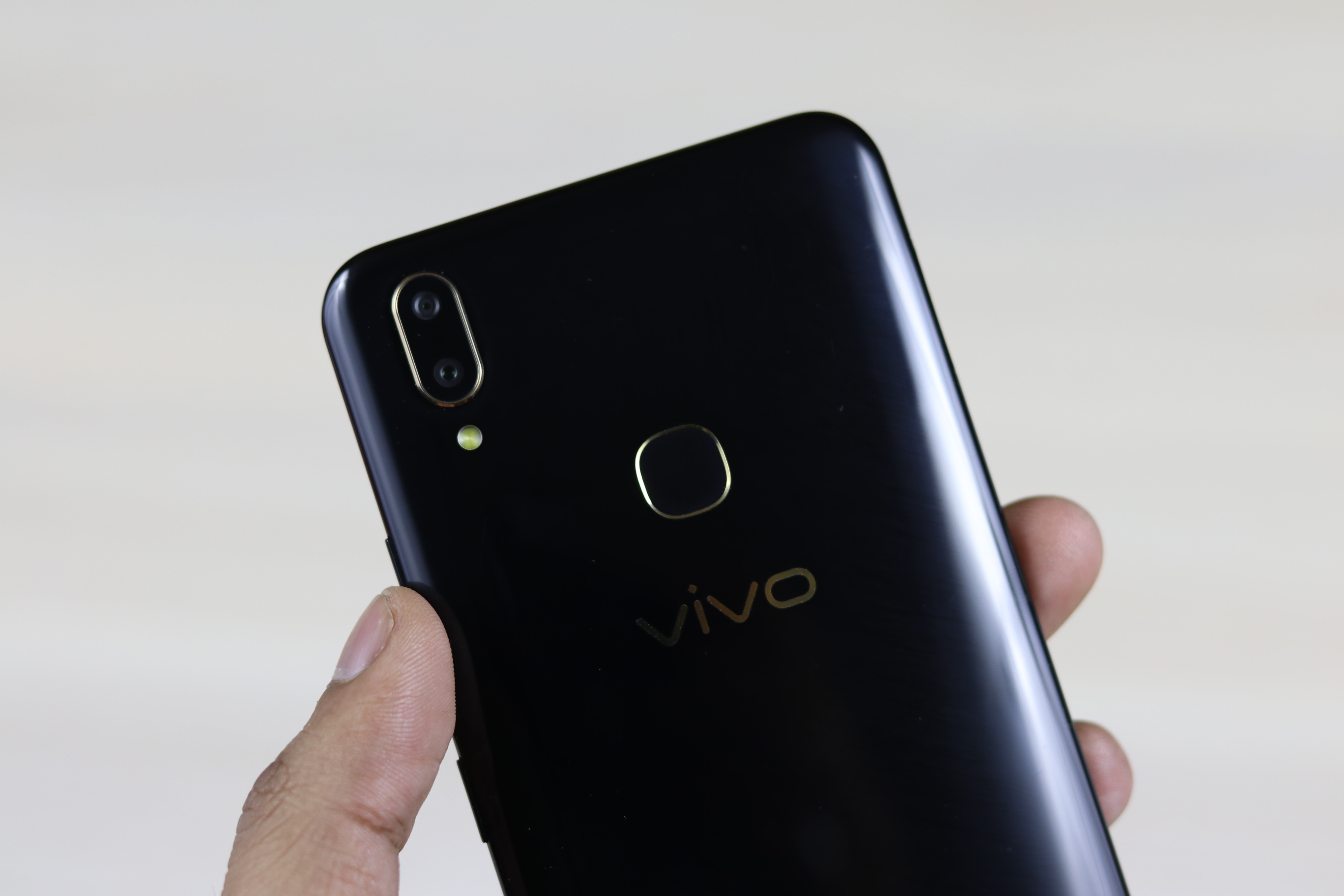 Vivo V9 Pro Review: A Competitive Smartphone Under 20K